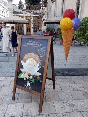 Italienisches Eis im Café Luca Polare