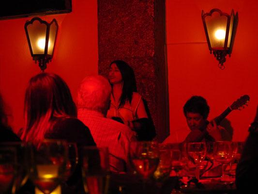 Cristina Madeira und Gitarrist Carlos Leitão im Clube de Fado, Lissabon