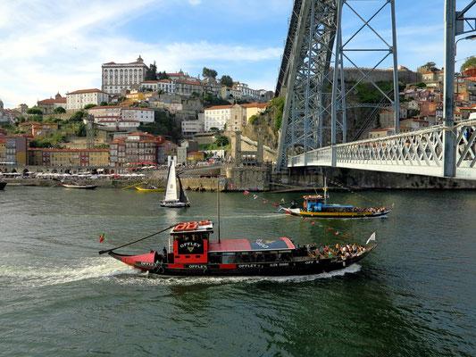 Unter der Ponte Luís I