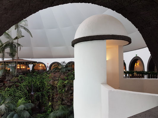 Hotel THe Volcán Lanzarote, große Eingangshalle