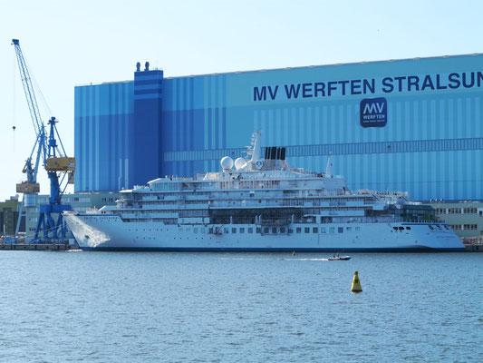 """MV Werften Stralsund GmbH mit der """"Crystal Endeavor"""", (Kreuzfahrtschiff für Expeditionsreisen)"""