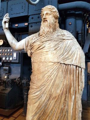 Statue des bärtigen Dionysos, Kopie nach einem griechischen Original, wahrscheinlich der Praxitiles-Werkstatt zuzuordnen2. Hälfte des 4. Jh. v.Chr.,