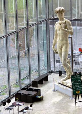 Raumerlebnis. Kopie des David von Michelangelo