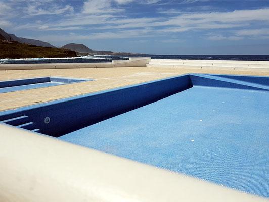 Garachico, Schwimmbecken im Uferbereich