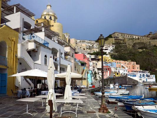 Marina di Corricella, Ristorante Caracalè