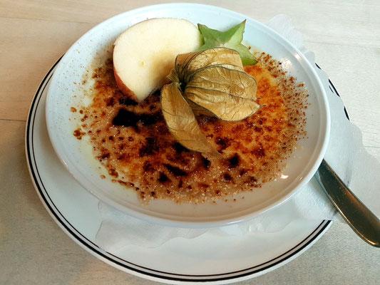 """""""Crème brûlée"""" von der Bourbon-Vanille, mit braunem Rohrzucker karamelisiert"""