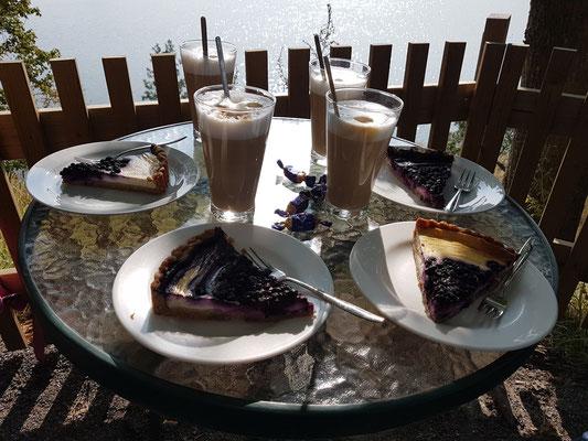 Kaffeepause am Toolonlathi (Sinisen Huvilan Kahvila)