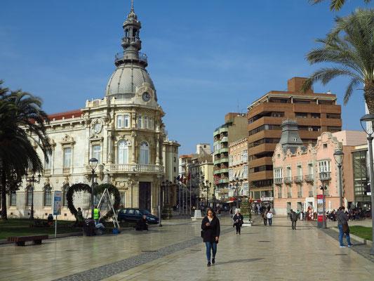 Zugang zur Innenstadt mit dem Palacio Consistorial von 1907