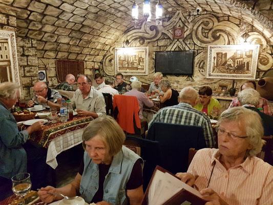 Abschiedsessen in einem Restaurant in Baku