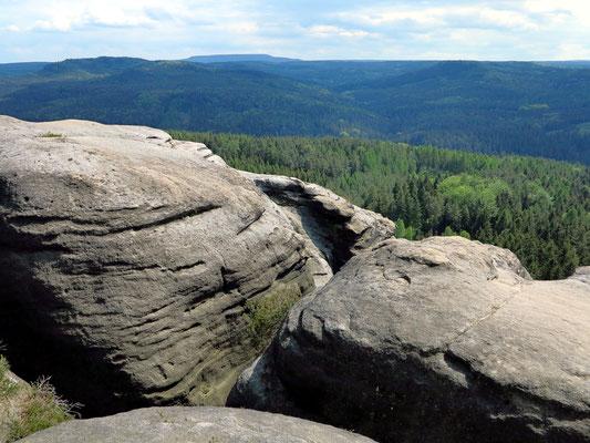 Auf dem Pfaffenstein, nahe der Barbarine. Blick nach Süden