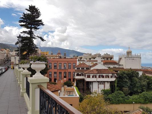 Calle Carrera del Escultor Estévez, Blick auf das Gebäude Probosco