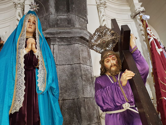 Jesus mit dem Kreuz in der Igreja do Senhor Santo Cristo