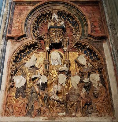 Spuren des Bildersturms im Utrechter Dom in einer Seitenkapelle