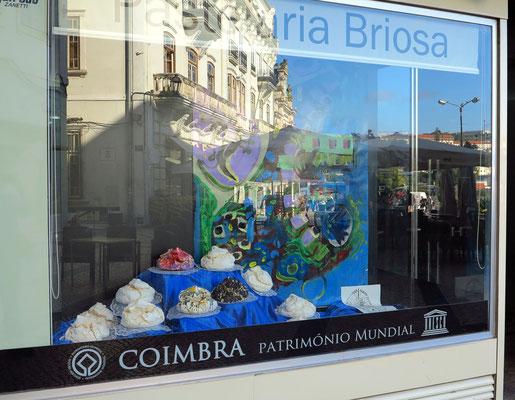 Cavacas Altas, eine süße Spezialtät von Coimbra in der Pastelaria Briosa, Largo da Portagem 5