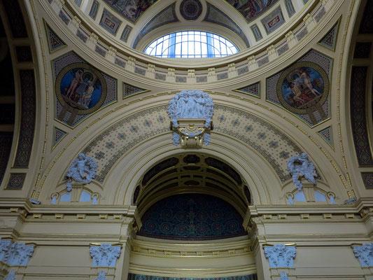 Széchenyi-Heilbad, Eingangshalle im nördlichen Gebäude