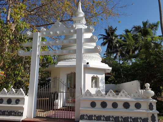Buddha-Tempel am Polhena Beach