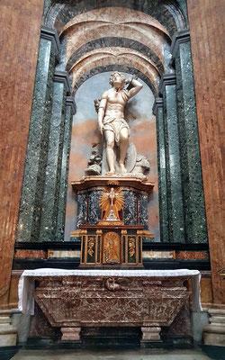 Sant'Agnese in Agone, Statue des heiligen Sebastian, christlicher Märtyrer des 3. Jh., ein Werk von Pietro Paolo Campi, 1719