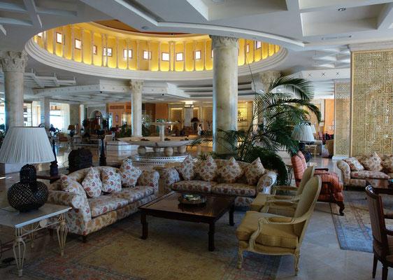 Corralejo, Eingangshalle des Hotels Atlantis Bahía Real