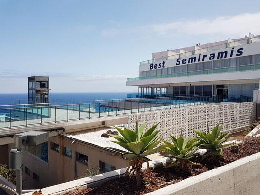 Best Semiramis, Außenbereich mit Aufzug