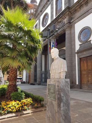 """Skulptur """"La Laguna al Obispo Dr. Perez Caceres, 1892 - 1961"""""""