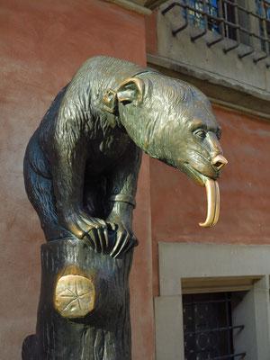 Skulptur neben dem Eingang zum Schweidnitzer Keller