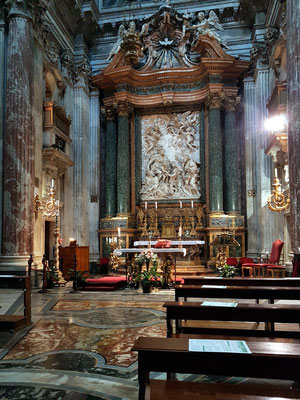 Sant'Agnese in Agone, Hauptaltar