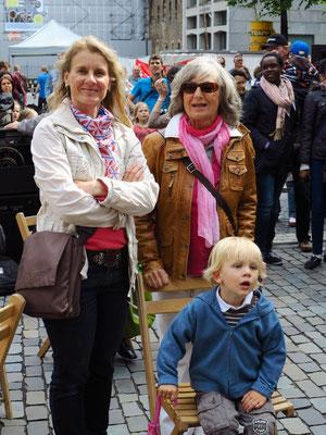 Kerstin Rother-Schäfer, Almut Rother und Alexander Schäfer in Erwartung des Konzertes (15:36 Uhr)