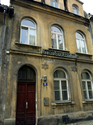 Ehemaliges jüdisches Haus in der Ul. Józefa 42, für Torah-Studien der erwachsenen Gemeindemitglieder