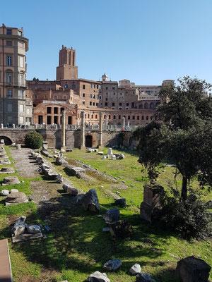 Trajansforum, im Hintergrund die Trajansmärkte