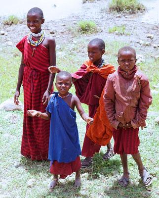 Massai-Kinder (Foto: Dr. Ernst Moser)