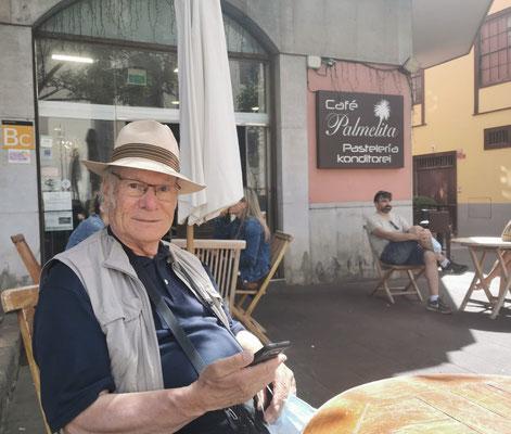 Zum Kaffee und Kuchen im Café Palmelita (Foto: Sabine N. Hernández)