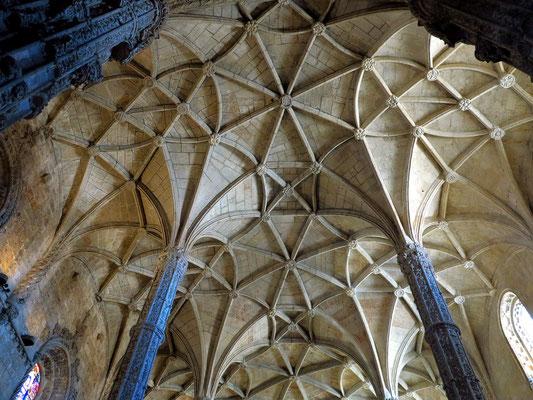 Hieronymus-Kloster (Mosteiro dos Jerónimos), Innenansicht der Kirche mit Deckengewölbe