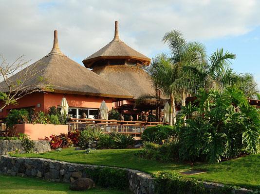 Bungalows des Luxushotels Abama südlich von Playa de San Juan