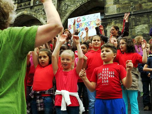 Beginn des Konzertes für die Schülerinnen und Schüler der GS Barbarastraße