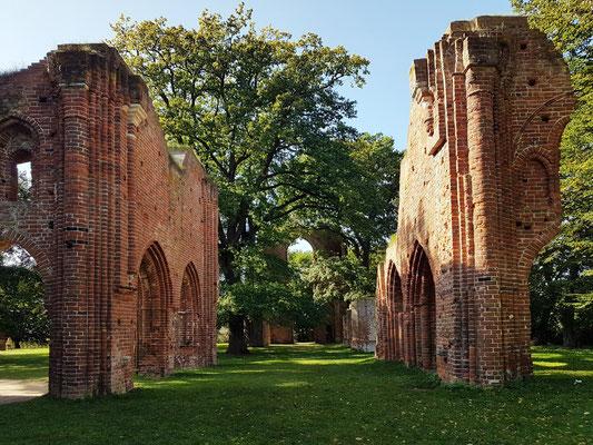 Klosterruine Eldena, Blick ins ehemalige Langhaus nach Westen