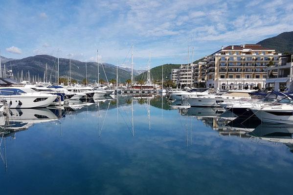 Neuer Yachthafen Porto Montenegro in Tivat, Konkurrenz zum Yachthafen von Monte Carlo