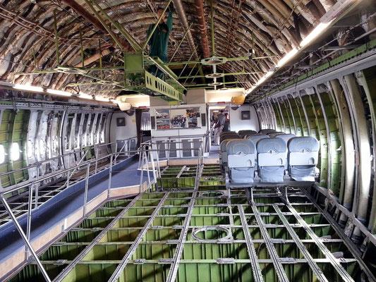 Innenraum der Boeing 747 Jumbo Jet, ohne Sitze