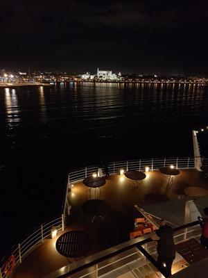 Ausfahrt gegen 22 Uhr aus dem Hafen von Palma de Mallorca