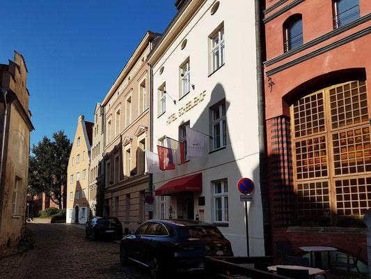 Schillstraße mit Romantik Hotel Scheelehof und Aparthotel Altes Schwedisches Konsulat