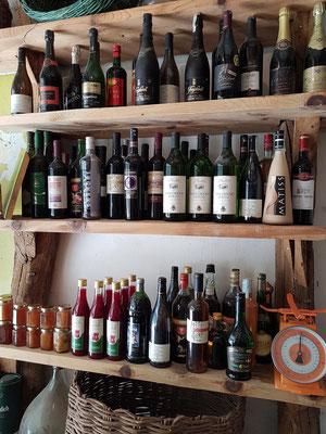 Angebot an Wein, Spirituosen, Sekt und Fruchtsäften