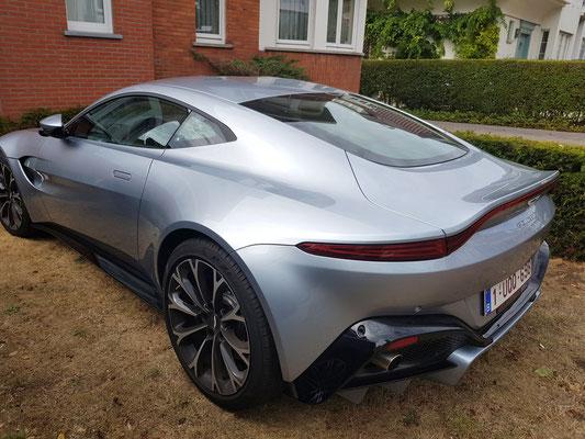 Knokke-Heist. Britischer Sportwagen Aston Martin  (Foto: Kerstin Rother-Schäfer)