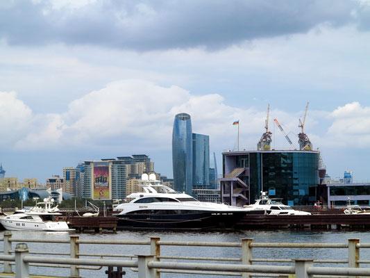 Stadtzentrum von Baku im Bau
