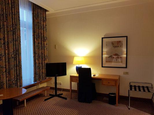 Mein Komfort-Einzelzimmer im Steigenberger Hotel, Zugang zur Terrasse