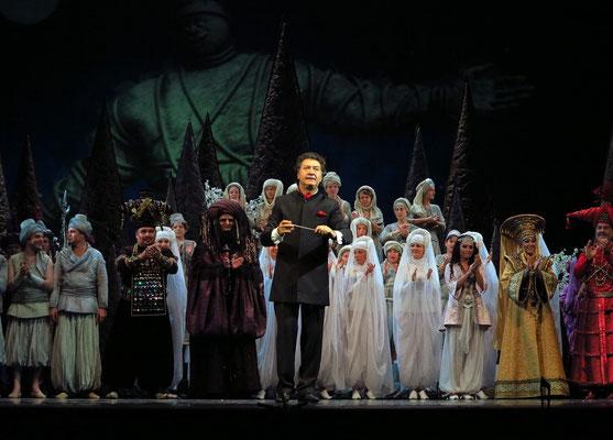 Stanislawski-Musiktheater, Aladino e la lampada magica, Applaus: Dirigent Vyacheslav Volich