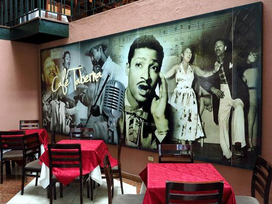 Café Taberna an der Plaza Vieja, Benny Moré, ein kubanischer Sänger, der insbesondere Son montuno, Mambo und Bolero interpretierte (1919-1963)