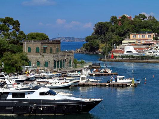Hafenausfahrt von Ischia