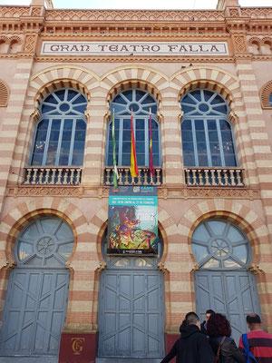 Gran Teatro Falla (1884-1905) im Neo-Mudejar-Stil. Manuel de Falla (1876 -  1946) war ein spanischer Komponist , geb. in Cádiz