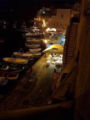 Abendstimmung an der Marina di Corricella