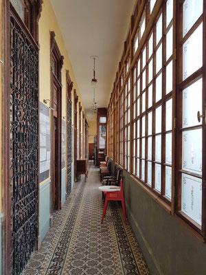 La Guarida, Flur zur Terrasse, zur Küche u.a.