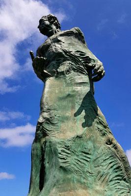 Las Palmas, Bronzestatue des Opernsängers Alfredo Kraus vor dem nach ihm benannten Auditoriums